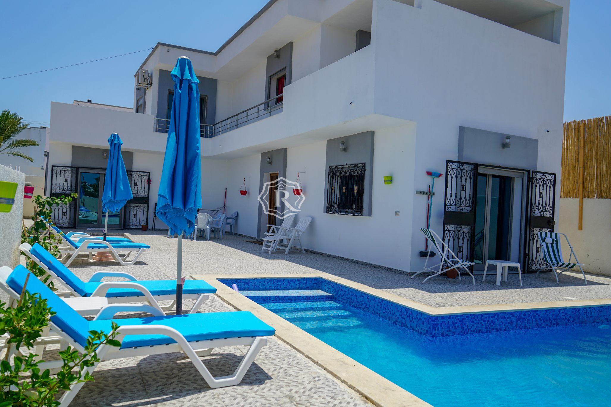 Villa adorable avec piscine