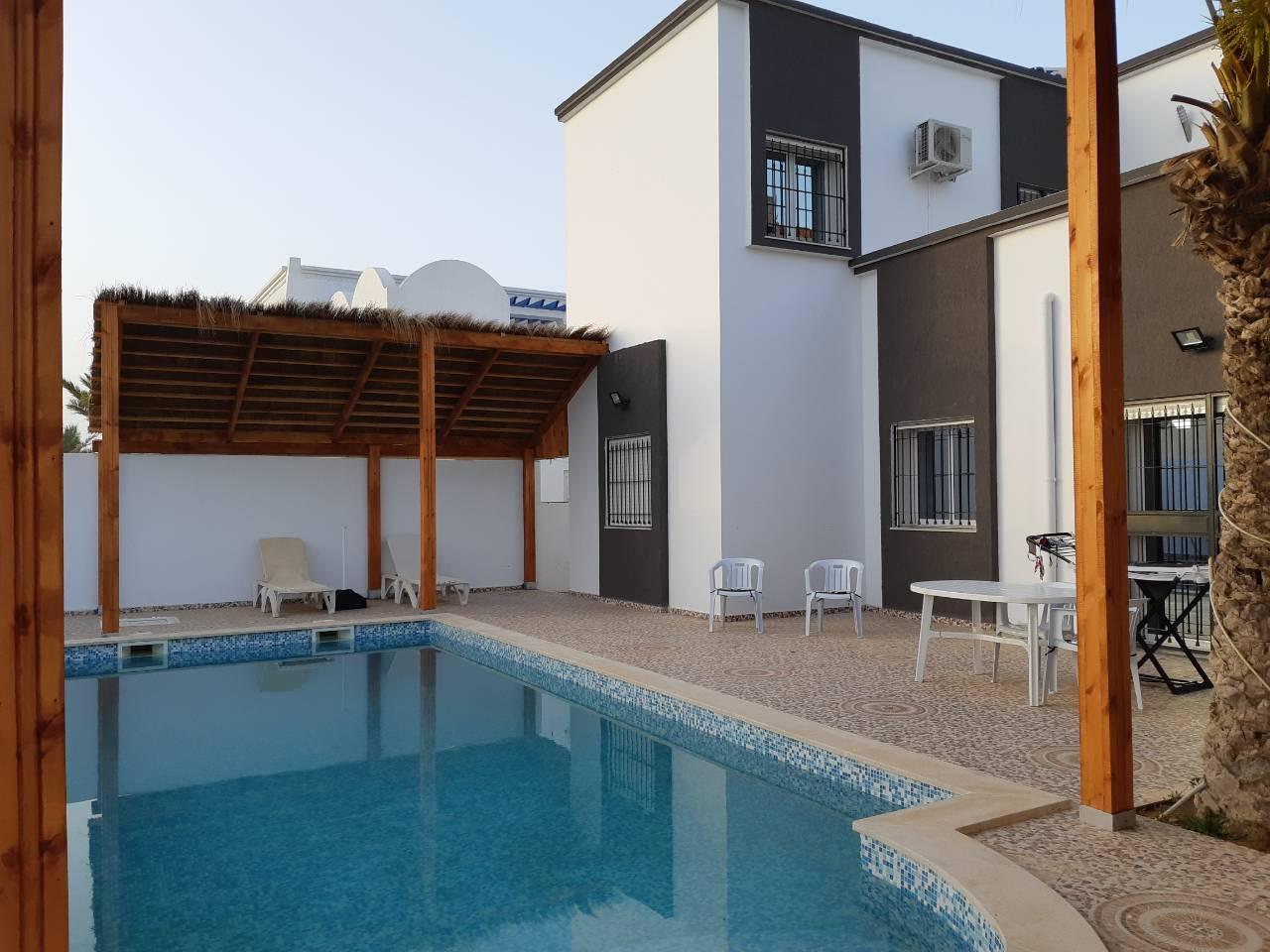 Fastueuse villa avec piscine à midoun