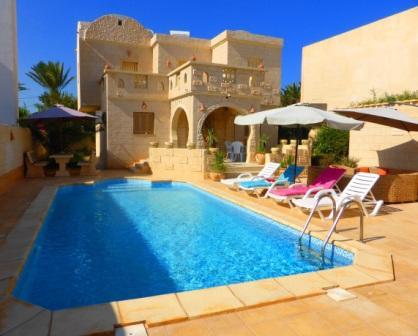 belle villa avec piscine a djerba