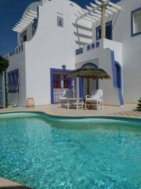 superbe villa au centre de midoun avec piscine privée