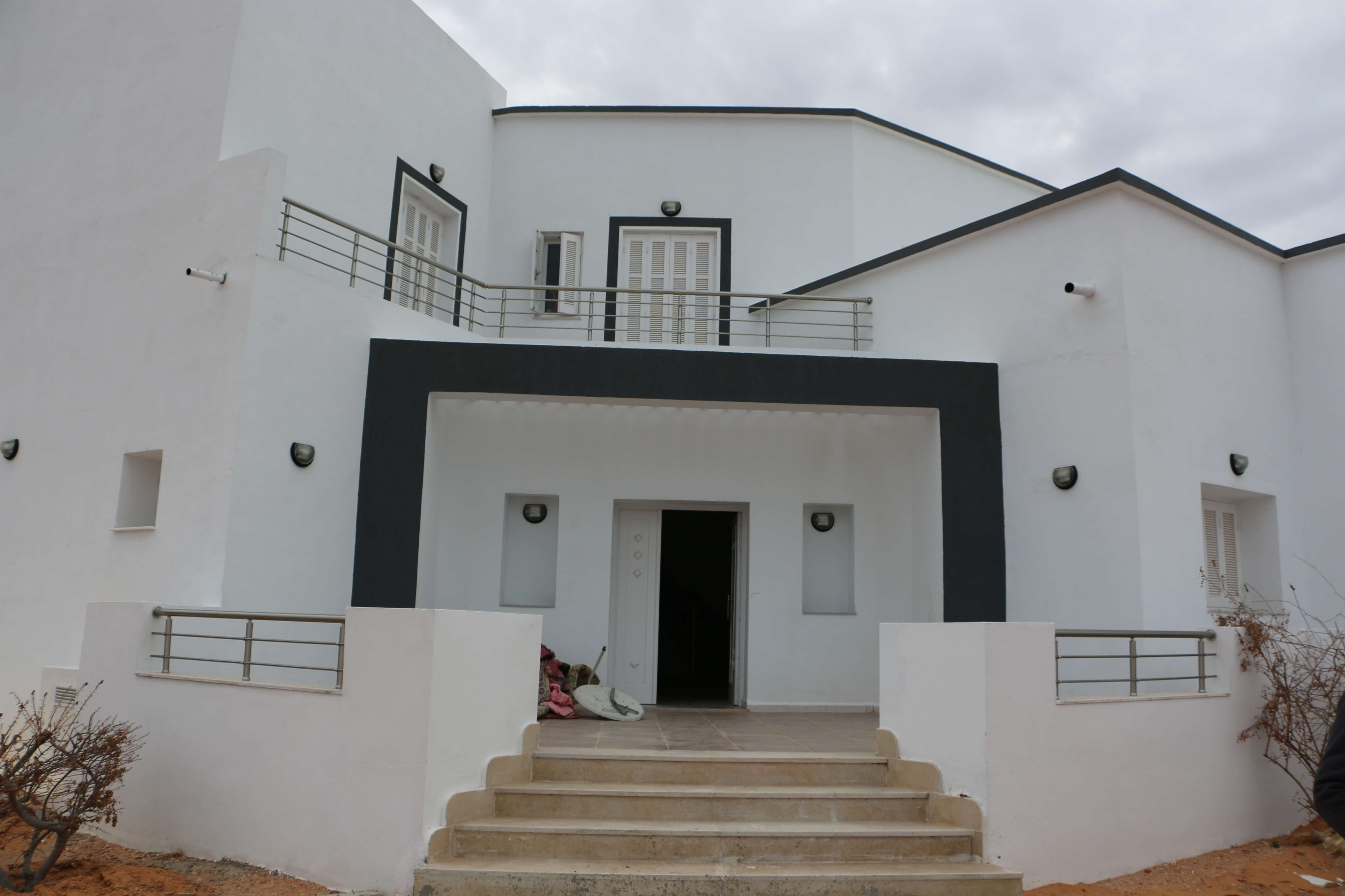 Luxueuse maison a midoun Djerba derriere geant